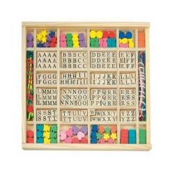 Perle za nizanje u drvenoj kutiji- slova I drugi oblici