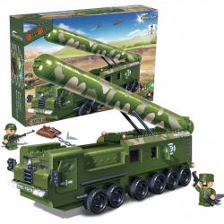Vojni kamion sa raketom