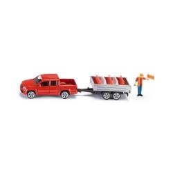 Pick-up vozilo sa prikolicom