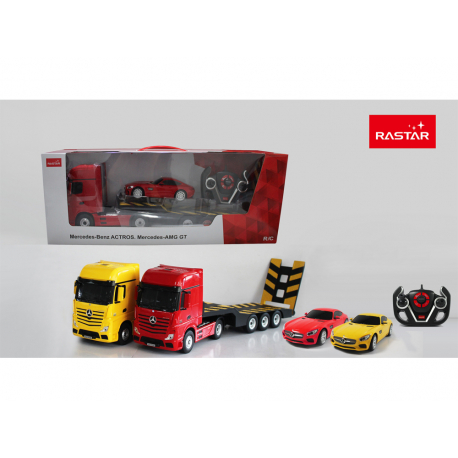 R/C  Mercedes-Benz Actros with 1/24 scale Car